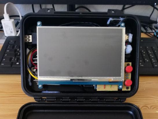 Raspberry Pi mit Touch-Display, Foto: Alexander Görbing